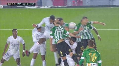 Điểm nhấn Real Madrid 0-0 Betis: Trọng tài không bênh đội chủ nhà