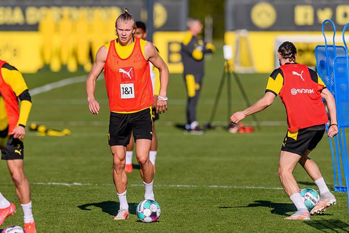Haaland chơi rất hay ở Dortmund