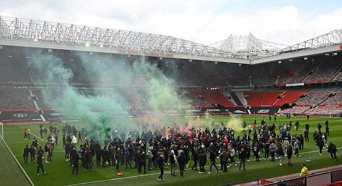 Trước tình cảnh hỗn loạn này, trận đấu MU vs Liverpool không thể diễn ra
