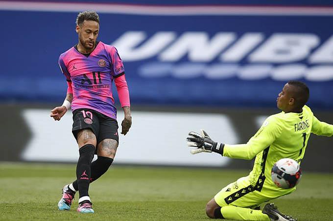 Neymar đã giúp PSG đánh bại Lens