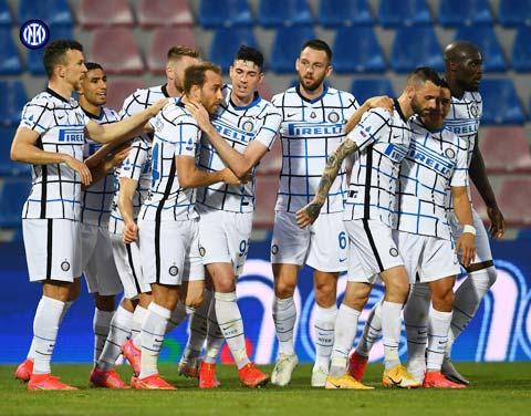 Inter đã giành Scudetto sau 11 năm chờ đợi