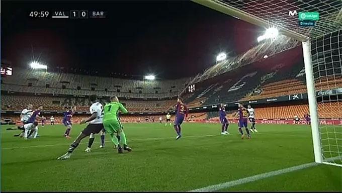 Valencia được trọng tài ưu ái ở bàn mở tỷ số?