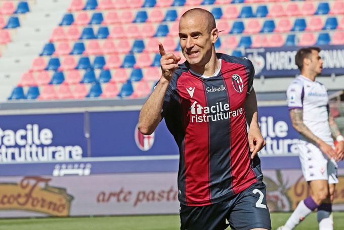 Palacio trở thành cầu thủ lớn tuổi nhất từng ghi hat-trick trong 1 trận đấu tại Serie A