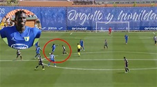 Cầu thủ trượt chân vẫn ghi bàn miễn chê từ sân nhà