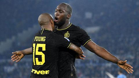 Lukaku và Young đã góp công không nhỏ giúp Inter vô địch