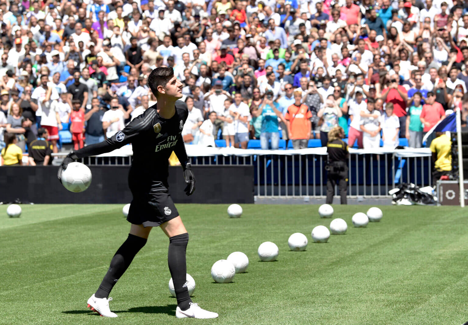 Courtois đã làm mọi cách để được đào tẩu sang Real Madrid vào năm 2018