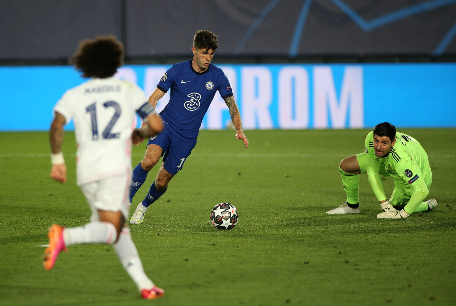 Đêm nay, Courtois sẽ quay về Stamford Bridge để giúp Real đánh bại đội bóng cũ Chelsea