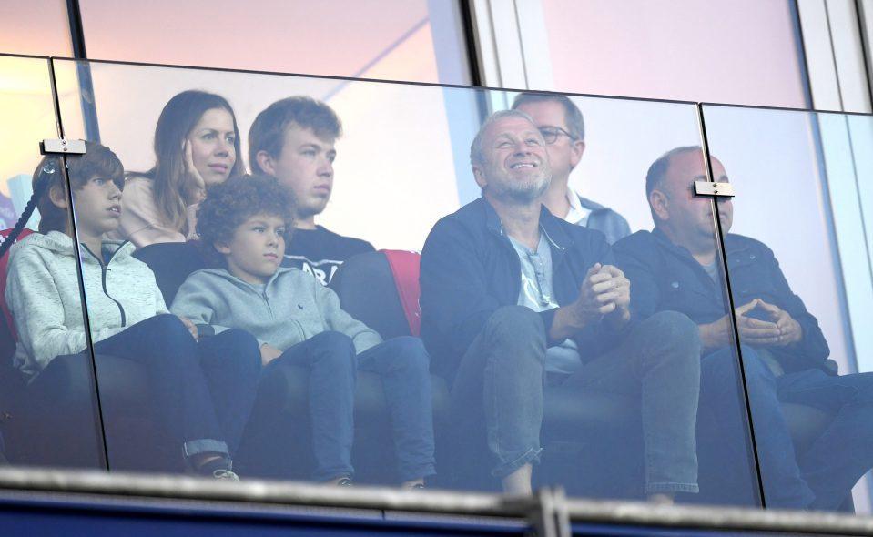 Abrahimovich luôn tới xem Chelsea thi đấu trên sân nhà