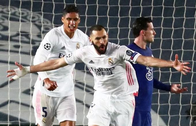 Bị Chelsea áp đảo và có bàn dẫn trước ở trận lượt đi vòng bán kết nhưng Real bằng cách nào đó vẫn có được bàn gỡ hòa của Benzema