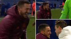 Real thua đau, Hazard lại còn cười tươi hết cỡ ăn mừng Chelsea vào chung kết