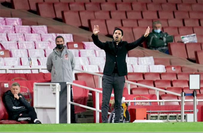 HLV Arteta không thể giúp Arsenal giành vé tham dự chung kết Europa League 2020/21
