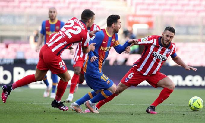 Trận hòa với Atletico khiến Messi và các đồng đội không còn quyền tự quyết