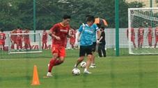 Văn Hậu nỗ lực tập luyện chờ ngày cùng ĐT Việt Nam đá vòng loại World Cup 2022