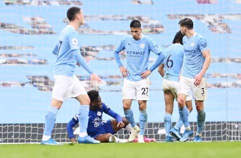 Trận thua 1-2 vừa qua là lần thứ hai liên tiếp chỉ trong vòng 3 tuần, Man City trắng tay trước Chelsea