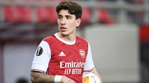 Bellerin dẫn đầu đợt 'xả hàng' của Arsenal