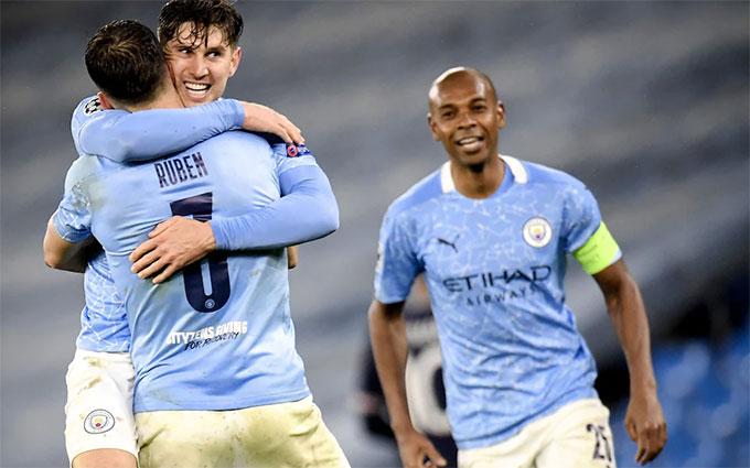 Với Dias, hàng thủ Man City đã trở nên chắc chắn hơn