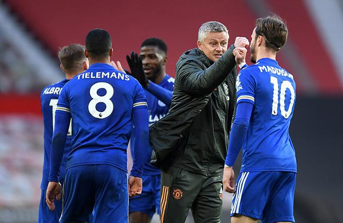 MU vừa giúp Leicester một tay vượt mặt Liverpool