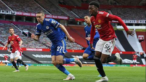 MU nên bị trừ 6 điểm vì dùng đội B đá với Leicester