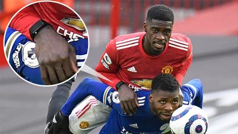 Tuanzebe đưa công nghệ vào bóng đá khiến CĐV MU tức sôi máu