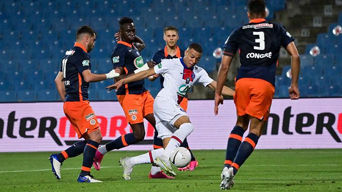 Mbappe giữa vòng vây cầu thủ Montpellier