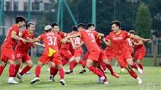 Thấy gì trong buổi tập kín 100% của đội tuyển Việt Nam?