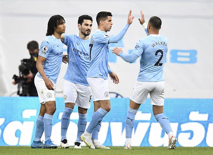 Cancelo gỡ hòa cho đội khách Man City