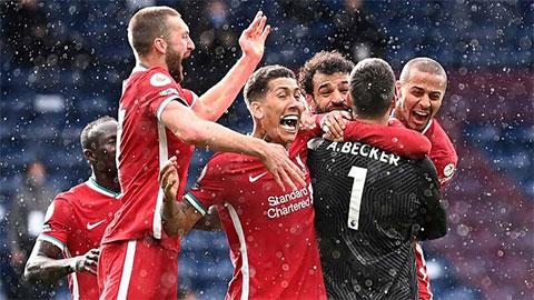 Tổng hợp Ngoại hạng Anh vòng 36: Liverpool khiến Chelsea run rẩy ở cuộc đua Top 4