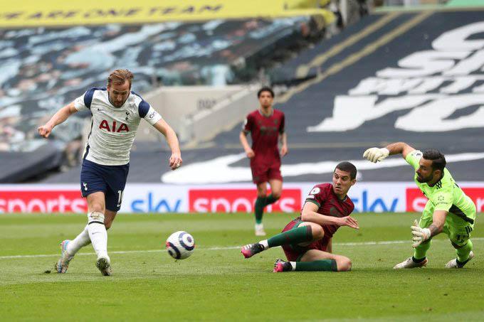 Kane và các đồng đội đang làm hết sức để Tottenham dự cúp châu Âu  mùa tới