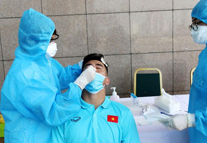 Đội tuyển Việt Nam được xét nghiệm 1 tuần/lần để đảm bảo an toàn cho cả tập thể - Ảnh: VFF