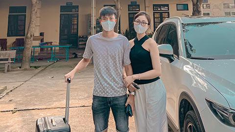 Văn Đức, Xuân Mạnh tạm biệt vợ để lên ĐT Việt Nam
