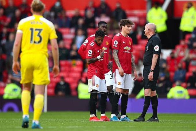 Hàng thủ Man United thi đấu rất thiếu tập trung
