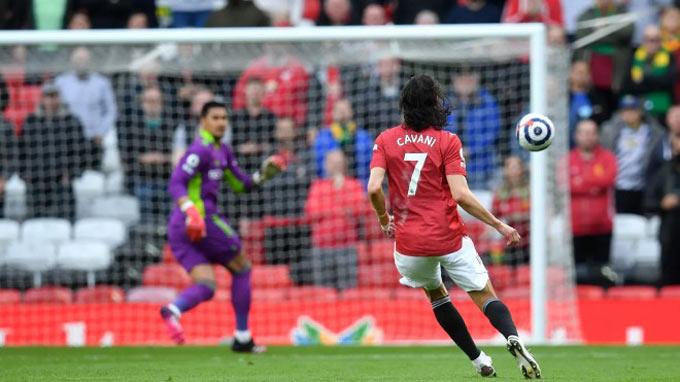 Cavani có pha lốp bóng tuyệt vời để mở tỷ số trận MU vs Fulham