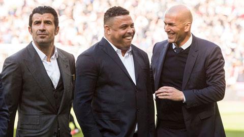 HLV Zidane (bìa phải) và chủ tịch CLB Valladolid, Ronaldo Nazario (giữa) có mối quan hệ rất thân thiết