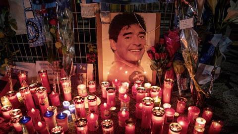 Vụ Diego Maradona: 7 chuyên gia y tế bị buộc tội giết người