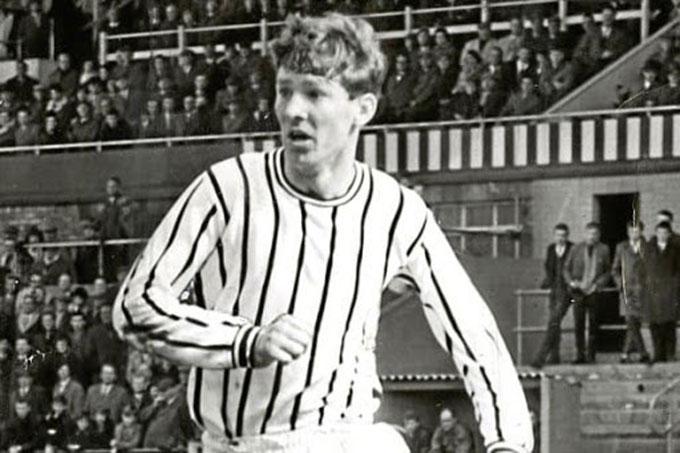 Sir Alex lập hat-trick trong màu áo St Johnstone trước Rangers và hàn gắn mối quan hệ với người cha