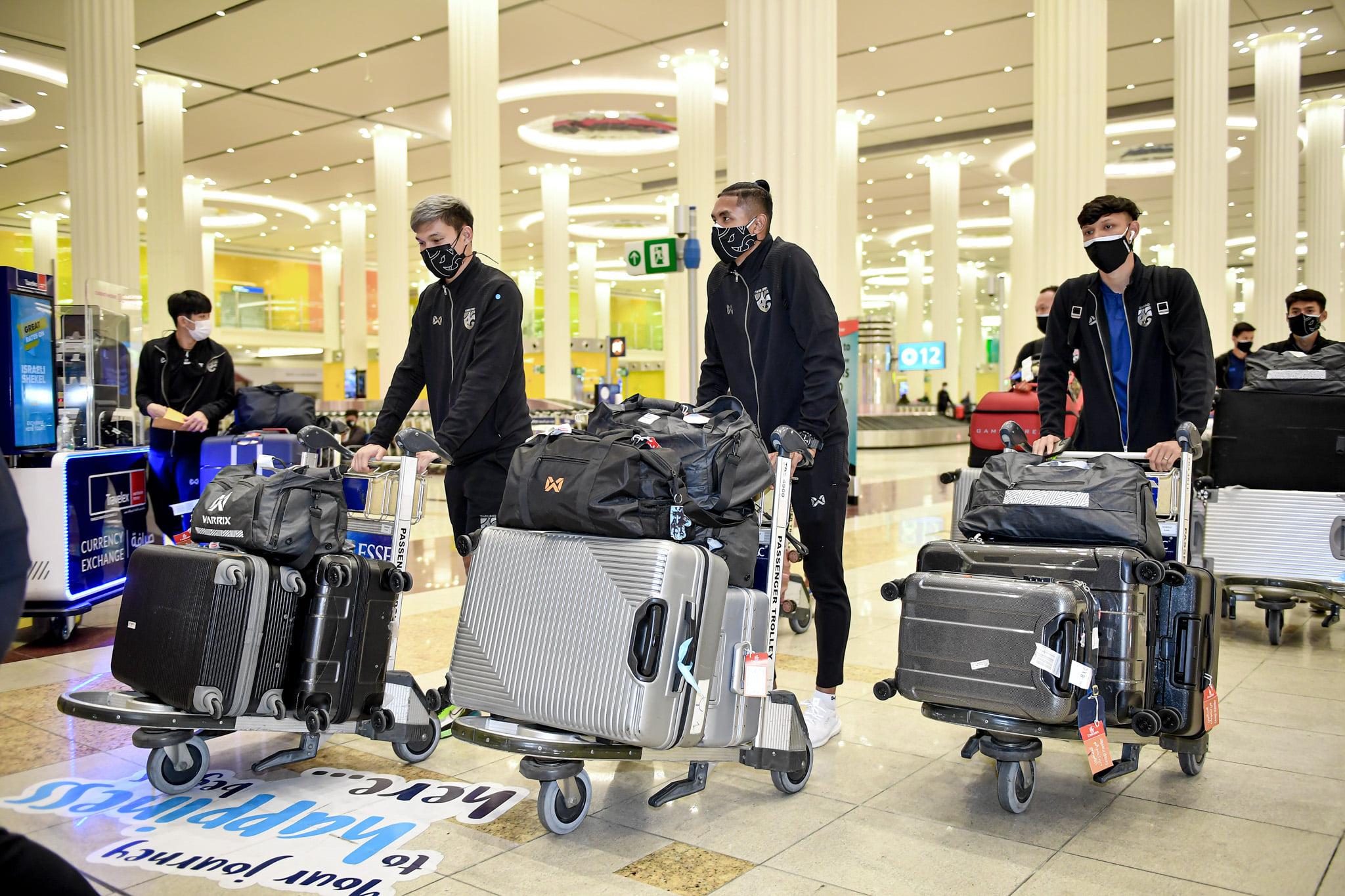 Thái Lan lên đường sang UAE với lực lượng hùng hậu gồm 39 cầu thủ - Ảnh: FA Thailand