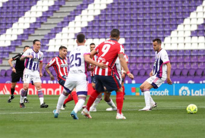 Correa gỡ hòa trong trận Valladolid vs Atletico