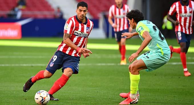 Ngay trận chào sân Atletico, Suarez đã đóng góp 2 bàn thắng và 1 pha kiến tạo