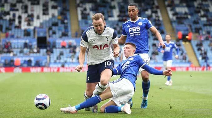 Kane góp công giúp Tottenham đánh bại Leicester