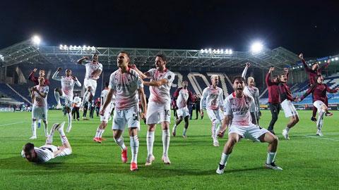 Milan trở lại Champions League sau 7 năm: Sáng lên, sắc áo đỏ-đen