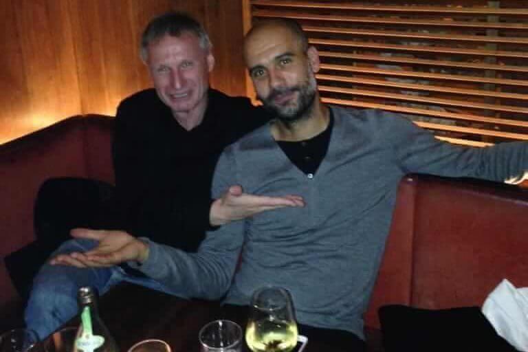 Michael Reschke và Pep Guardiola ở quán bar Schumann, nơi họ gặp Thomas Tuchel