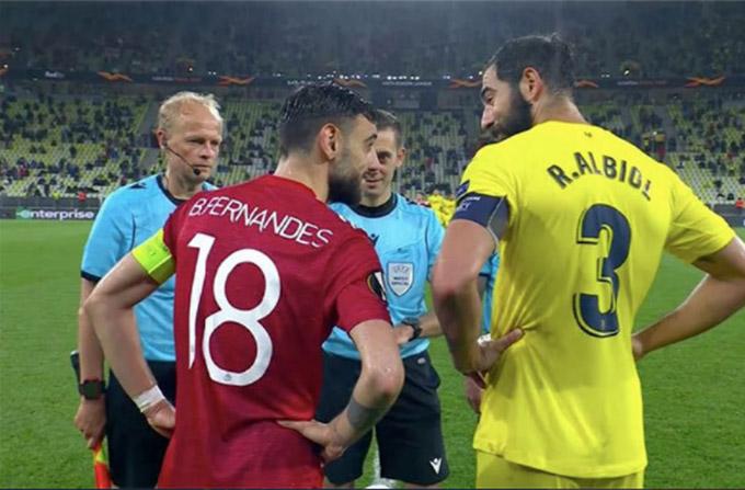 Fernandes bị chỉ trích vì nhường quyền đá penalty trước cho Villarreal