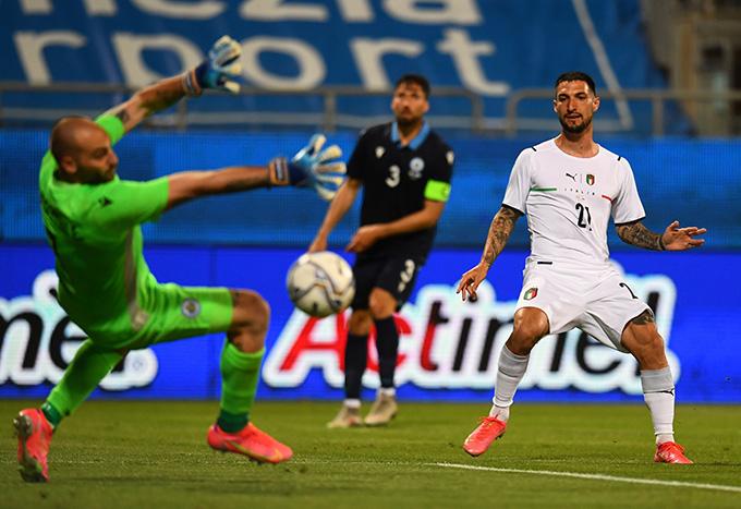 Italia có chiến thắng tưng bừng trước nhược tiểu San Marino