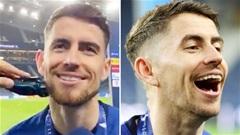 Jorginho giữ lời hứa cạo râu