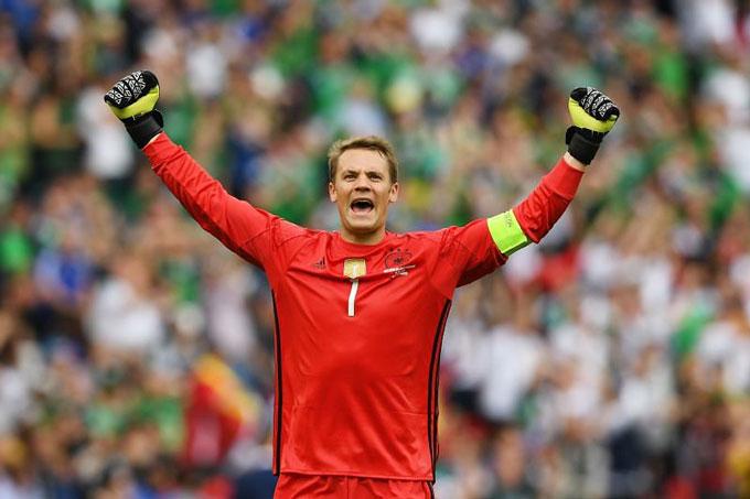 Neuer chỉ còn thiếu mỗi chức vô địch EURO trong bộ sưu tập danh hiệu của mình