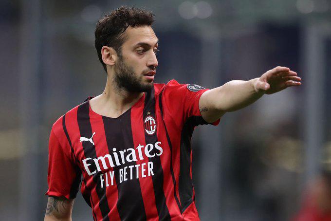 Calhanoglu sẽ đến Juventus?