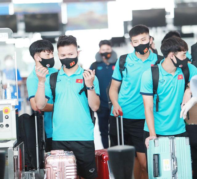 Những tuyển thủ như Quang Hải đều nhiệt tình đóng góp cho Quỹ vaccine phòng Covid-19 - Ảnh: ĐỨC CƯỜNG