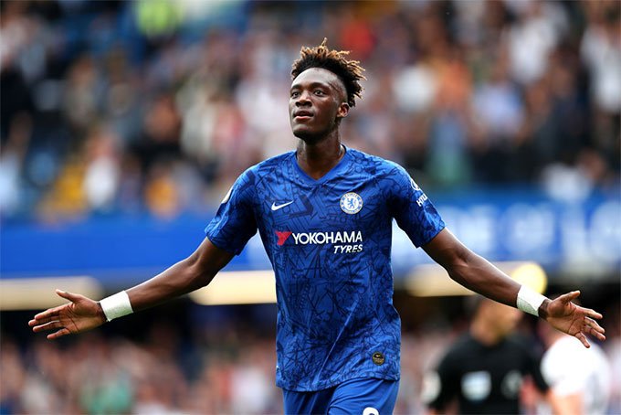Abraham không phải là sự lựa chọn hàng đầu trên hàng công Chelsea