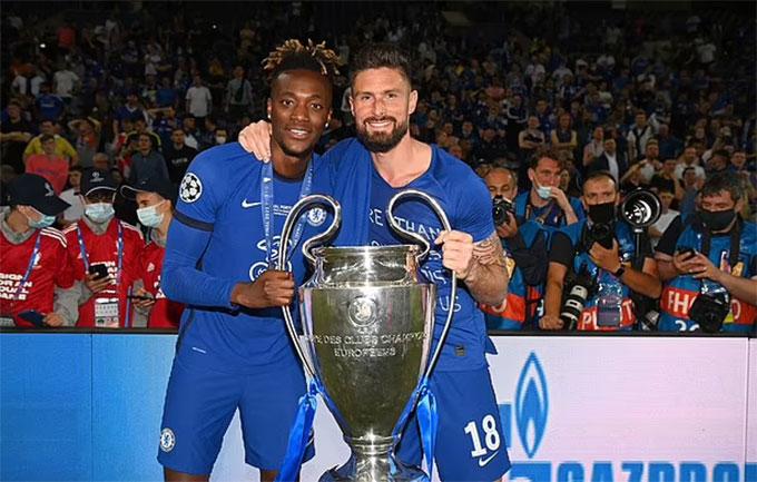 Giroud sắp hết hợp đồng với Chelsea