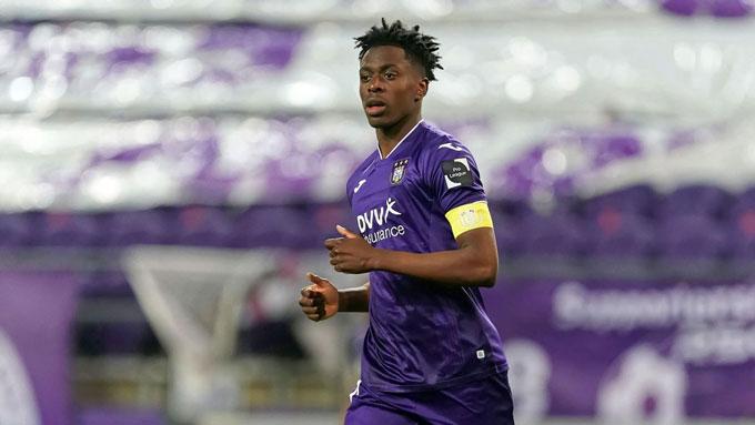 Lokonga sắp tới Arsenal